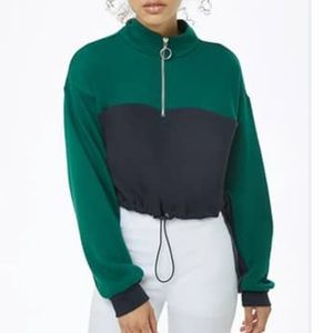 Drawstring cropped pullover